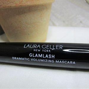Glamlash Dramatic Volumizing Mascara - Black